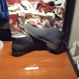 "NWT Men's ""Chukka"" Suede Shoes"